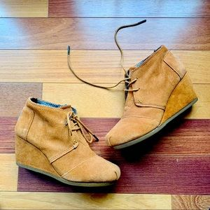 Toms Desert Wedge Suede Boots, size 7